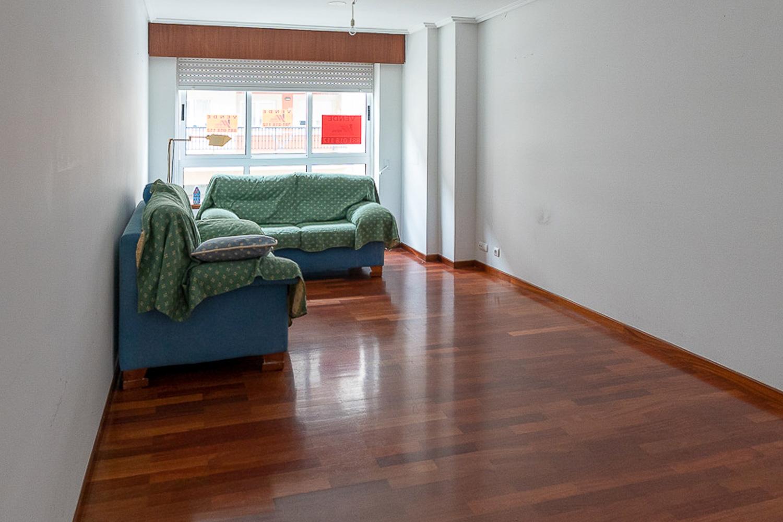 3 dormitorios con muebles de cartón en sada_ANTES