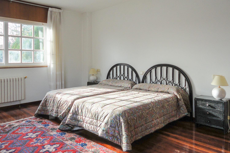 chalet de 7 dormitorios en lorbé oleiros_ANTES